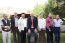 El primer ministro chino con algunos técnicos del Jardín, 2011 -