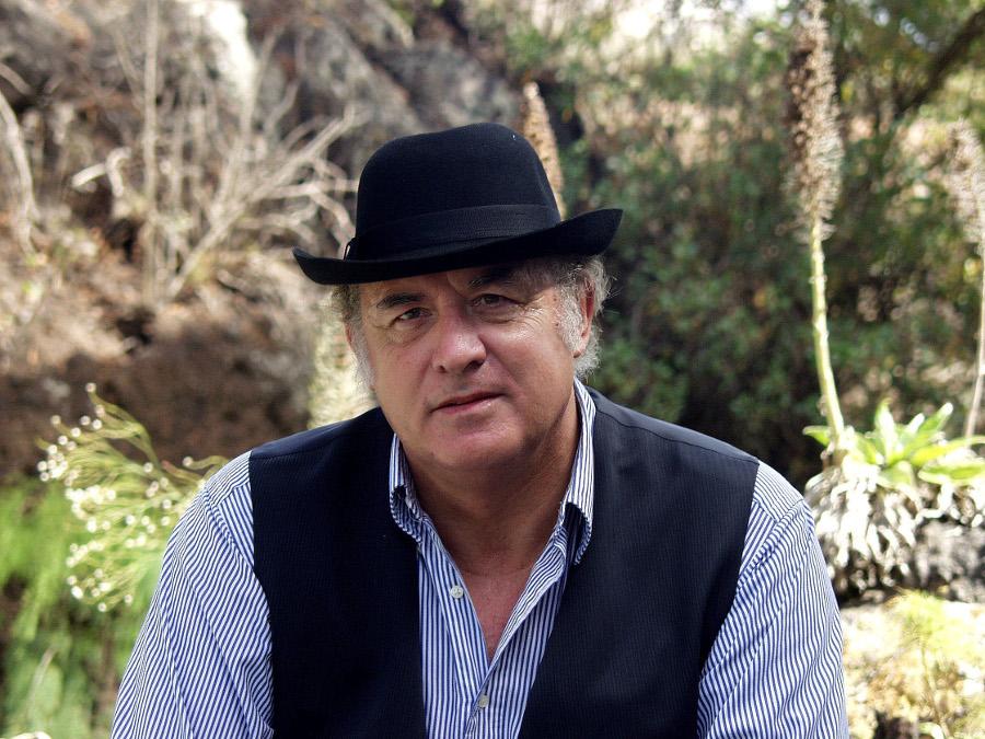 David Bramwell, fiesta canaria en el Jardín, junio 2002 -